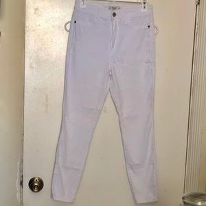 Abercrombie & Fitch White Cropped Skinny Jeans